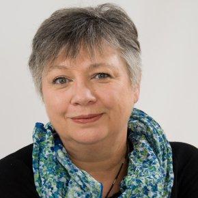 Le Jury et son président Roger Belot souhaitent la bienvenue à Marie-Martine Lips autour de la table des délibérations qui auront lieu le 13 septembre au Procope...