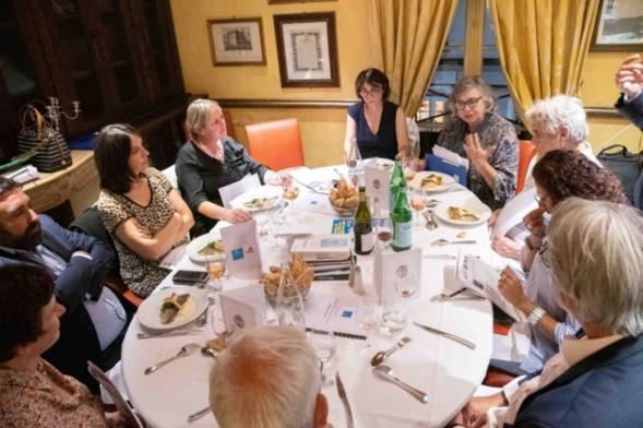 Echanges passionnés entre Marie-Martine Lips et Camille Dorival - Photo Catherine Cros l