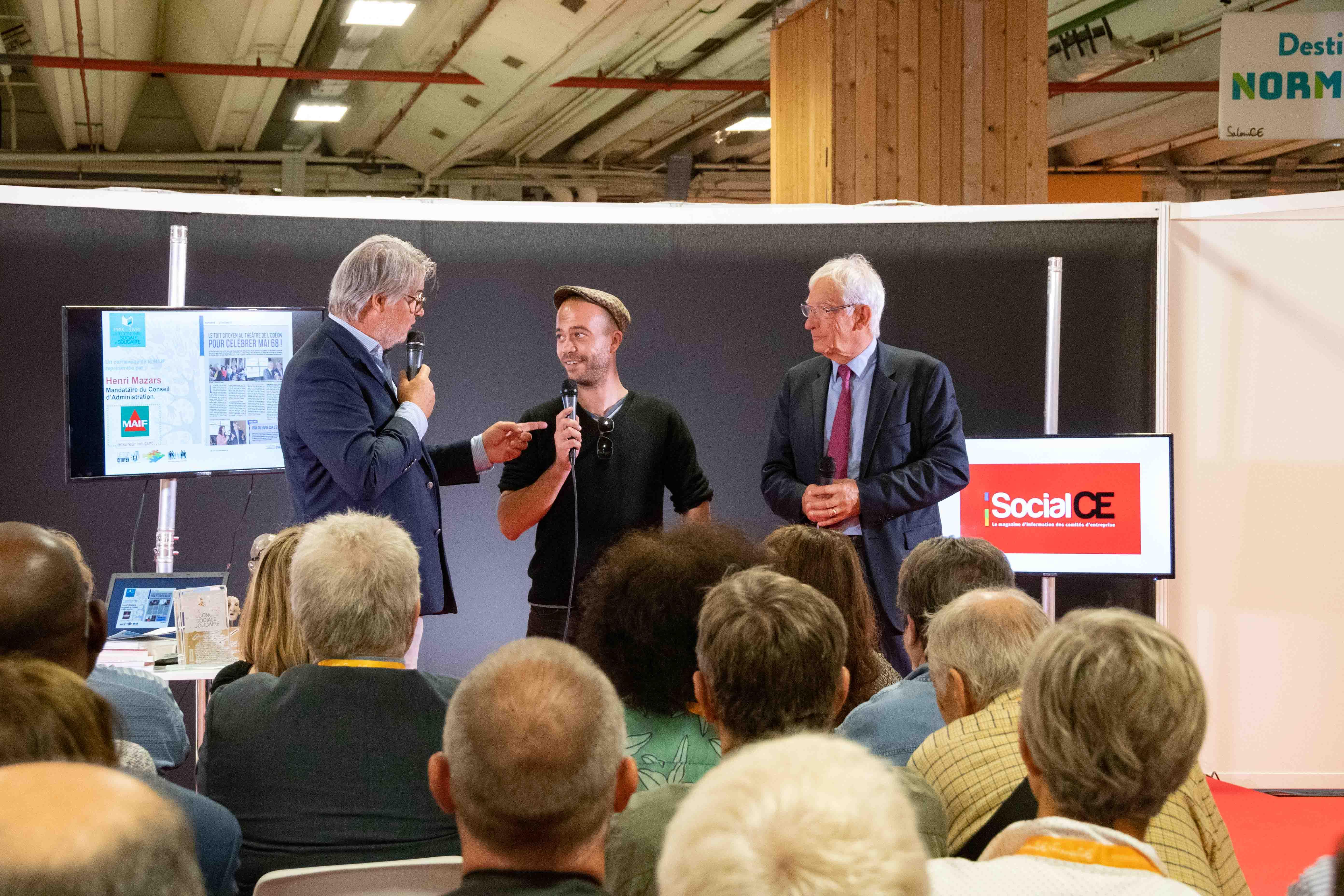 Patrick Gobert a tenu à présenter Simon Muller à tous les participants de cette cinquième édition du Prix - Photo Catherine Cros -