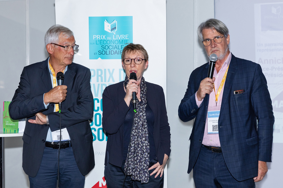 Annick Valette, présidente de MAIF Impact et vice-présidente de la MAIF explique l'engagement de cette dernière dans l'ESS et confirme son soutien fidèle au Prix - Photo : Jacques Martin -