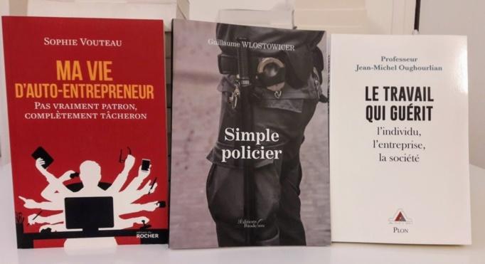"""Les 3 livres sélectionnés pour la catégorie """" Témoignages """" - Photo : Agence Relations Presse."""