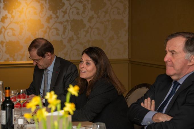 Une fidèle part et le jury accueille la nouvelle représentante des médias, Isabelle Moreau, assise entre Bernard Vivier qui l'a parrainée et Pierre Ferracci - Photo Catherine Cros -