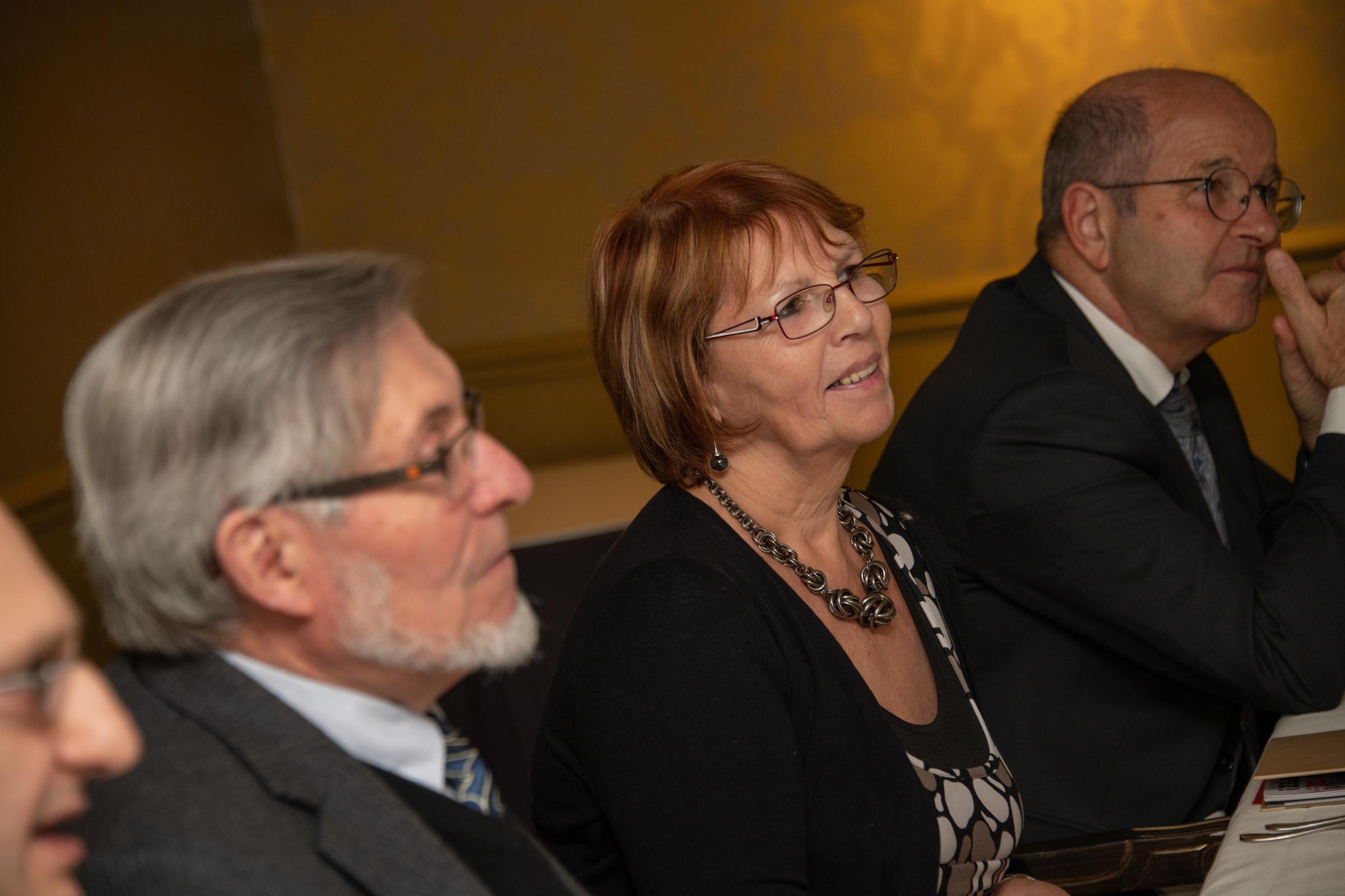 Anne-Marie Basque, retraitée du Groupe Monier et ancienne élue du CE, a savouré sa présence à cette table car c'était sa dernière... Nous la remercions pour sa fidélité et sa participation sans faille depuis la création du prix - Photo Catherine Cros -
