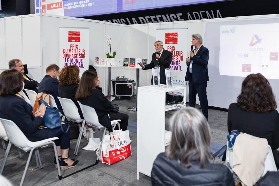 Jean Auroux, président du Jury, ouvre officiellement la 11ème remise du Prix devant de nombreux invités - photo : Jacques Martin -
