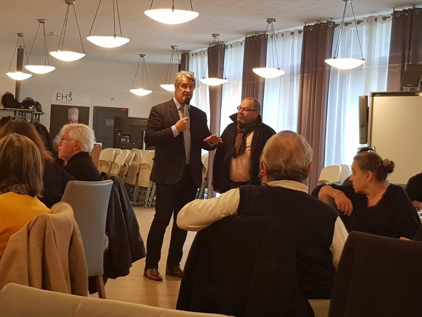 Eric Fardel, un des responsables des Apprentis d'Auteuil s'est félicité de la collaboration avec le Club des CE Citoyens et a présenté les actions à venir pour cette institution qui vient de fêter ses 150 ans... Photo : Tomy