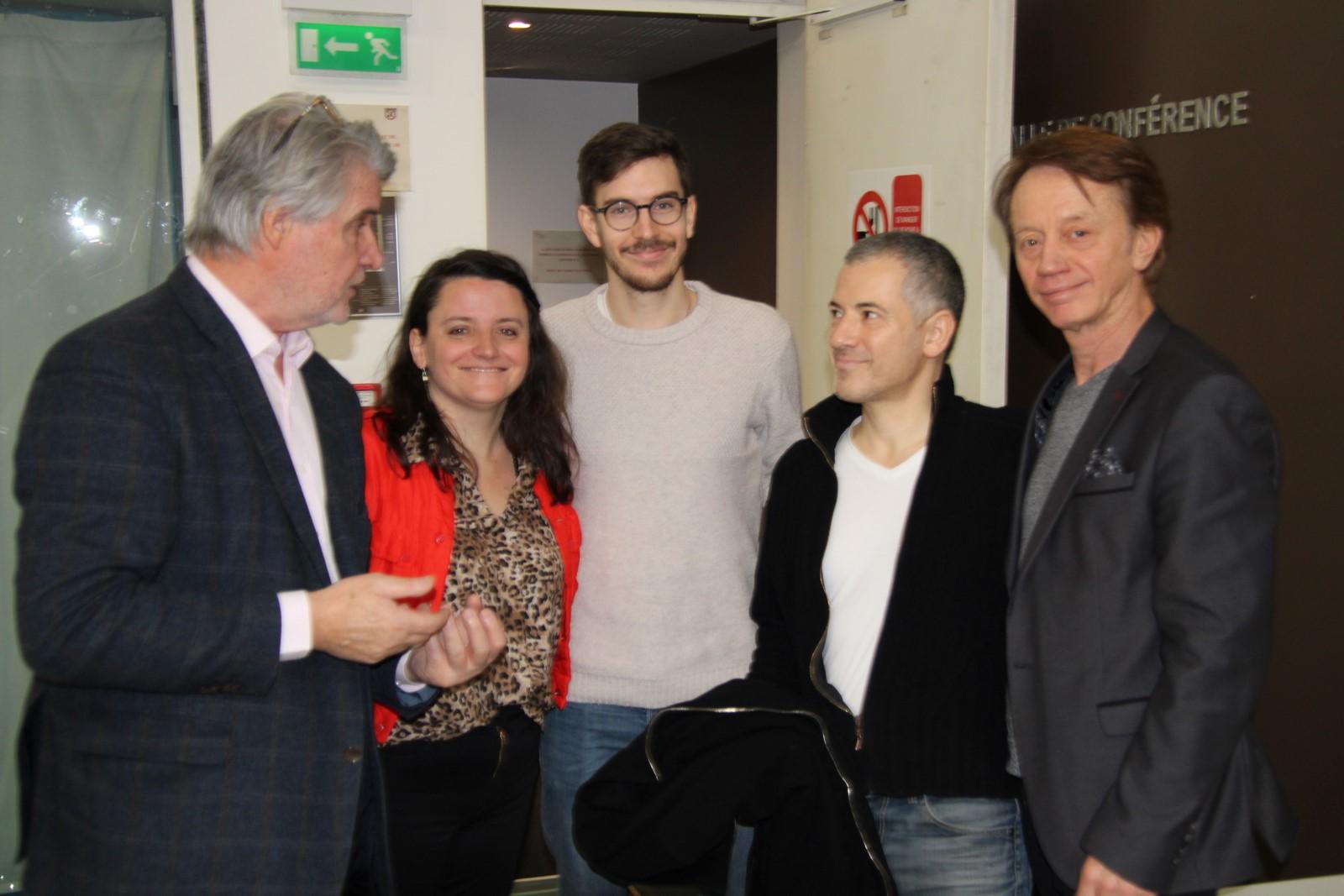 Bruno Esposito et Bruno Putzulu échangent avec Patrick Gobert et Colette Tostivint d'Eklore - Photo Jean-Paul Berger -